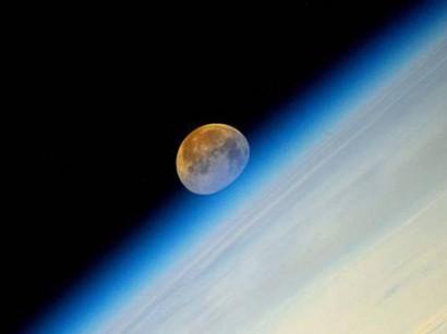 Káprázatos képek a szuperholdról