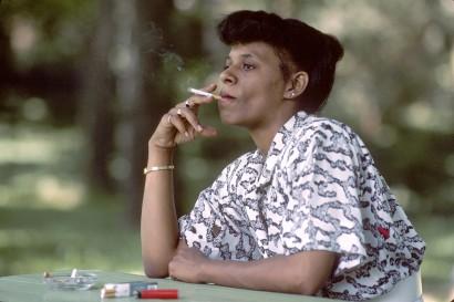 Ne dohányozzunk magányosan!